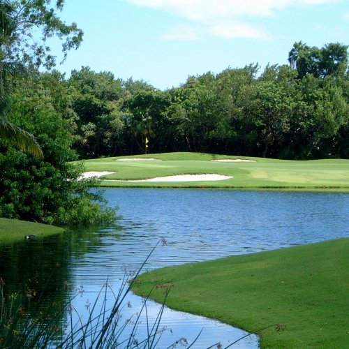The small pond and course at Southernmost Key West Golf Club